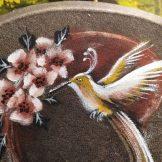 tambor-detalle-colibri-andean-martin-gray-florencia-burton-tambor-ceremonial-drum