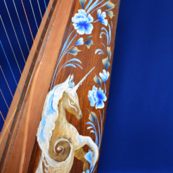 florencia burton y marting ray luthier del bosque unicorn art on harp
